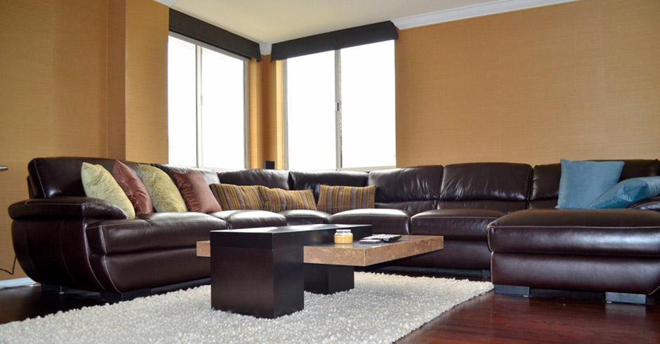 530-Central—Living-Room-Corner
